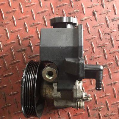 Benz 111 Engine Power Steering Pump