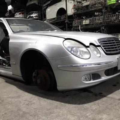 Benz W211 Half Cut
